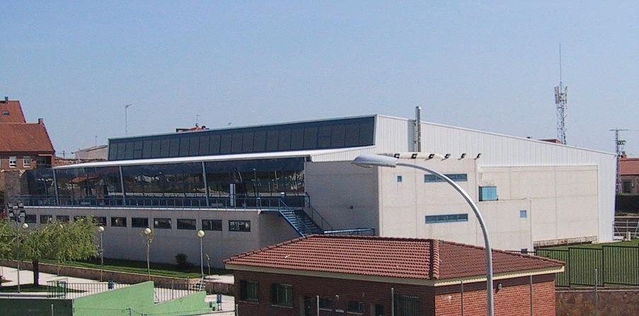 Edificios y polideportivos katedralia for Piscinas san agustin burgos